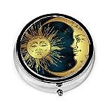 Pastillero Redondo Sol y Luna Dorados Caja Decorativa de Acero Plateado Personalizado Soporte para Tableta de Medicina para Bolsillo o Cartera Regalo Único