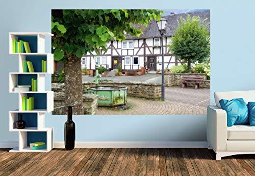 Premium Foto-Tapete Ortskern mit Brunnen in Niederdreisbach (versch. Größen) (Size M | 279 x 186 cm) Design-Tapete, Wand-Tapete, Wand-Dekoration, Photo-Tapete, Markenqualität von ERFURT
