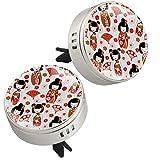 2PCS Carino Giapponese Dolls Kokeshi Pattern Auto Aromaterapia Olio Essenziale Locket Chiusura Magnetica Locket con Clip di Sfiato 4 Pad Ricarica (Argento)
