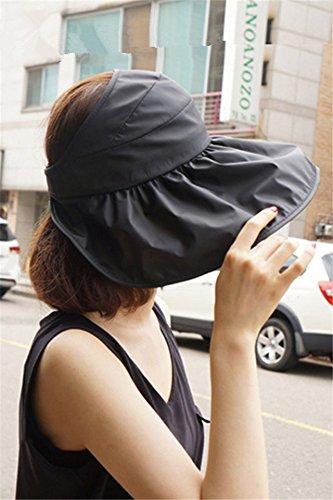 Generic Korean_style_of woman_folding_straw sunscreen_sun leisure_wild_excursions_beach_