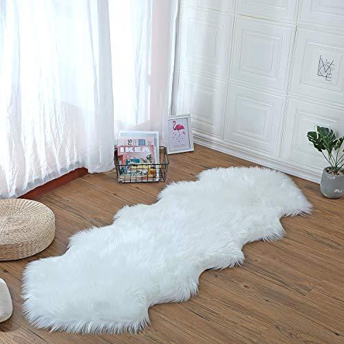 YIHAIC Anti-Rutsch Lammfell Teppich,Shaggy Lammfell Teppich,Geeignet für Wohnzimmer Teppiche Flauschig Lange Haare Fell Optik Gemütliches Schaffell Bettvorleger Sofa Matte (Weiß, 60 x 160cm)