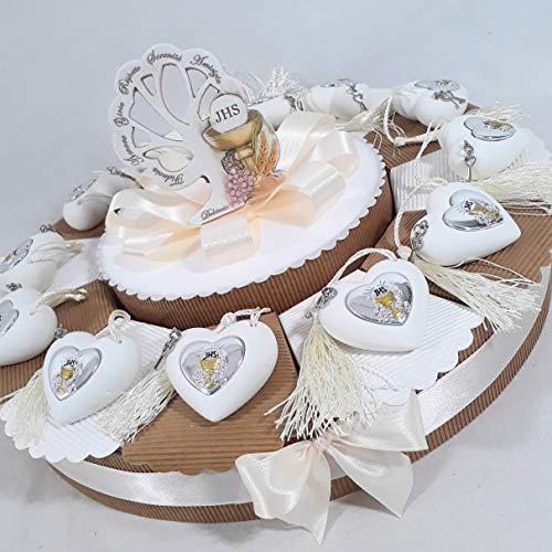 Torta con bomboniere da appoggio a forma di cuore con nappa e icona prima comunione (Torta da 12 fette)