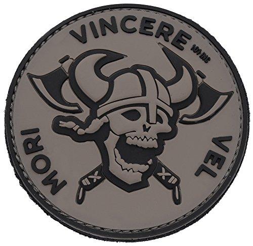 Viking Guerrier Bouclier Casque Tete de Mort ecusson PVC 3D Bouclier Casque Breton celte Celtique Rune 8cm Moto