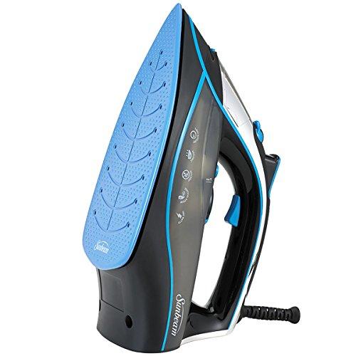 Plancha de vapor Oster® con suela de cerámica azul y avanzada tecnología de vapor