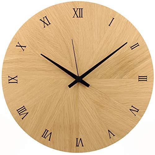 Holzuhr   Wanduhr   Holz   Eiche Natur Massivholz   ⌀ 30cm rund   besteht aus 12 Dreiecken   sehr leises Quarz Uhrwerk von Junghans   modern   Qualitätsprodukt   handgemacht in Österreich   exklusiv