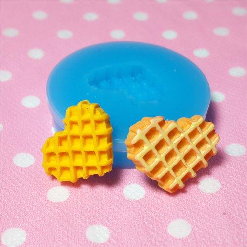 003LBQ Heart Waffle Silicone Mold Miniature Food Sweets Cupcake Jewelry Charms Clay Resin Wax Fondant