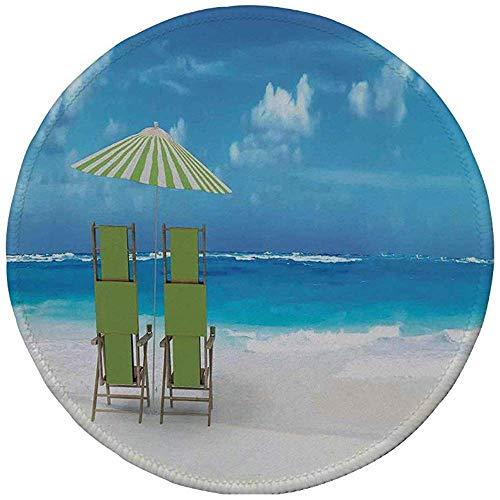 Rubberen ronde muismat, zeezicht, zonnescherm drankjes paar ligstoelen gericht op zee zeegezicht, blauw limoen groen en wit