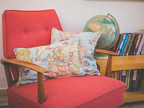 World map pillow covers - fits all color and style, Gives a touch of stylishness to every room. comes as a lumber pillow or a rectangle.