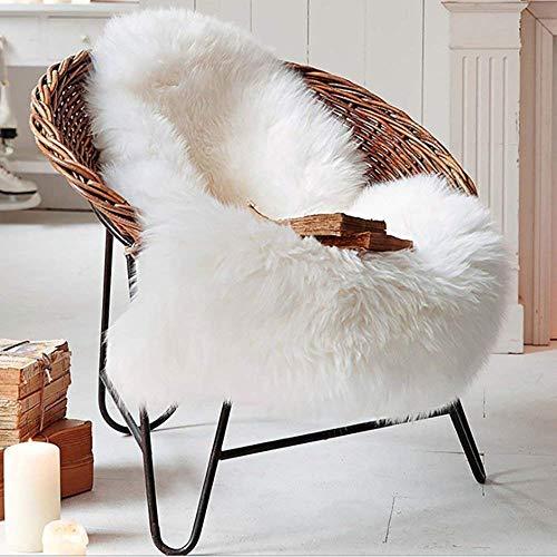 QINGLOU Faux Lammfell Schaffell Teppich (60 x 90 cm) Wohnzimmer Schlafzimmer Kinderzimmer/Als Faux Bett-Vorleger oder Matte für Stuhl Sofa (Weiß, 60 X 90 cm)