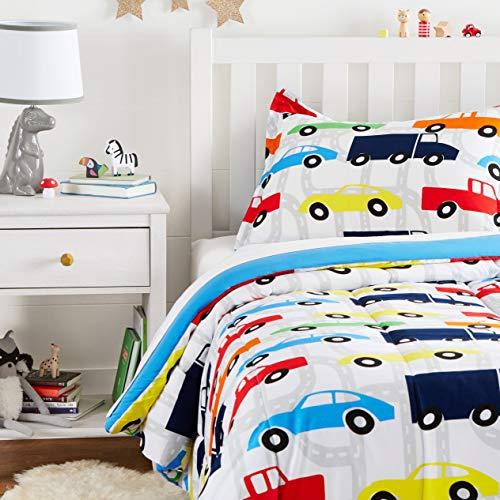 cama coche niño de la marca Amazon Basics