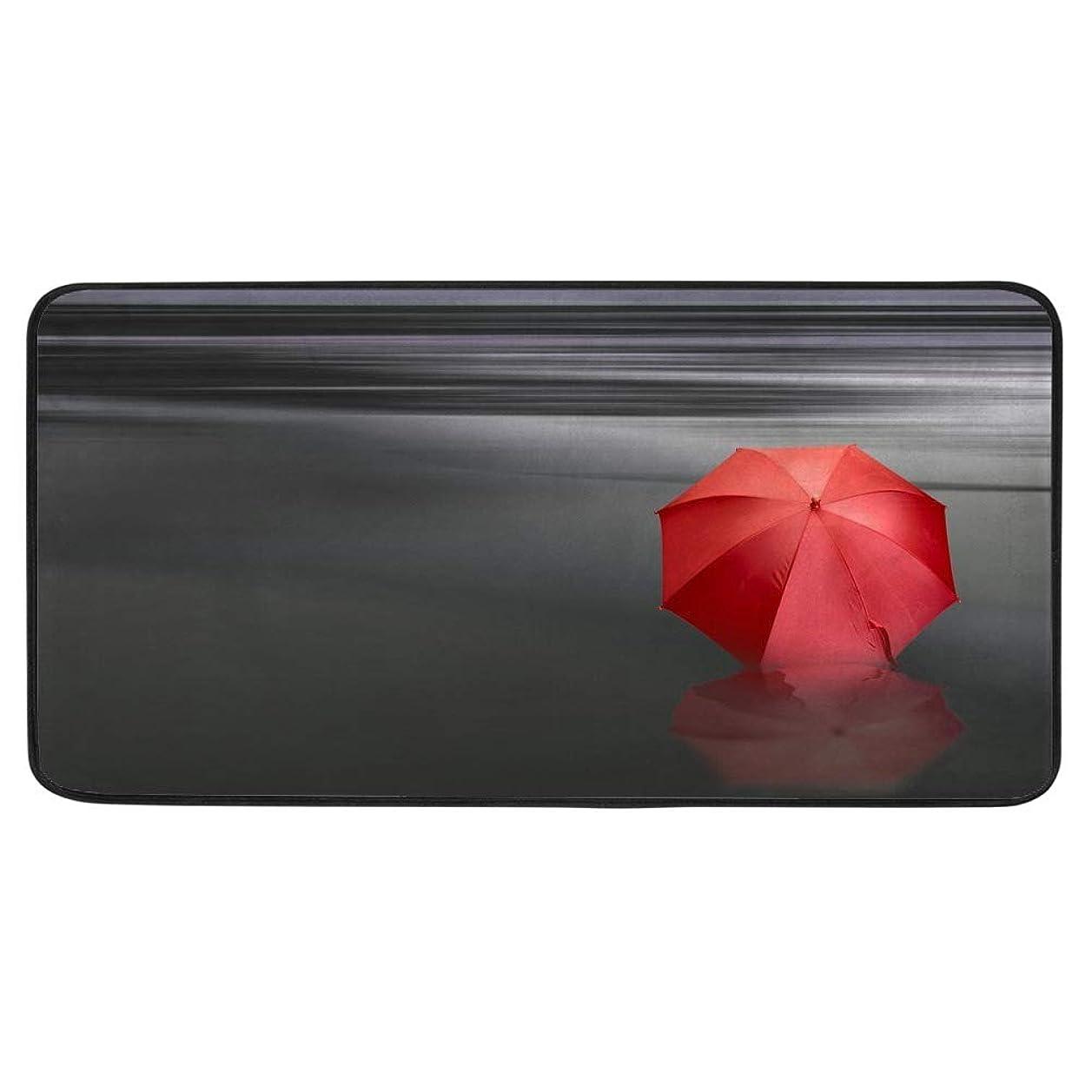 しがみつく批評狼キッチンマット 台所マット 玄関 ラグ?水に赤い傘 マイクロファイバー 滑り止めマット 吸水 速乾 バスルームマット 防臭 抗菌 洗える リビングルーム カーペット