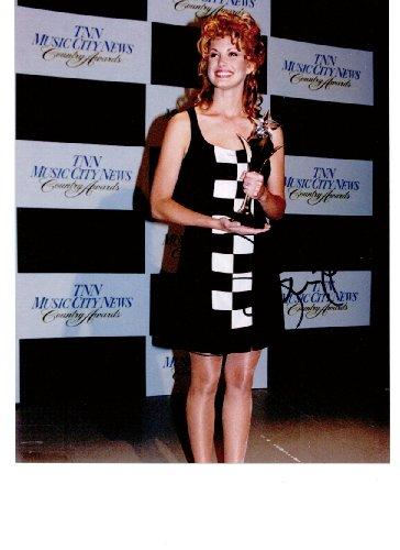 Faith Hill 8 x 10 Celebrity Photo Autograph