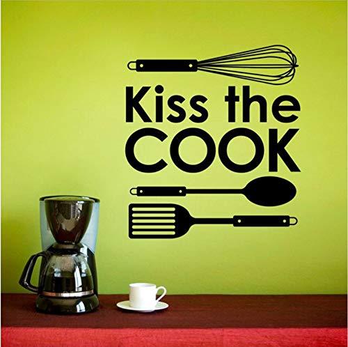 Olivialulu Gepersonaliseerde Slogan Kus De Kok, Keukengerei Icoon Vinyl Sticker Keuken Restaurant Home Decor Muursticker Cf35 57 * 63Cm