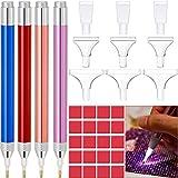 Maitys 4 Penna Pittura Diamante a LED per Trapano Penna Pittura Diamante 5D Illuminata Accessori per Pittura a Diamante con 20 Colla per Pittura, 9 Teste di Penna (Rosa, Oro, Blu, Rosso)