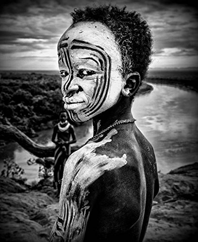 Impresión artística/Póster: Joxe Inazio Kuesta Garmendia A Boy of The Karo Tribe OMO Valley Ethiopia - Impresión, Foto, póster artístico, 70x85 cm
