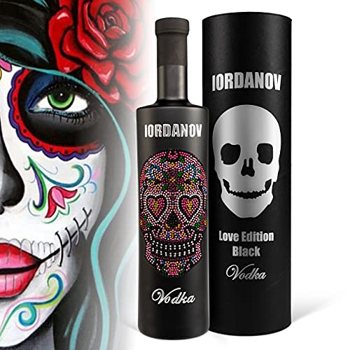 Geschenkverpackung: Vodka Iordanov Love Skull Edition (0.7 l) in der schwarzen Flasche, Geschenk für Liebling, Liebe mit bling bling Kristallen