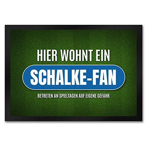 trendaffe - Hier wohnt EIN Schalke-Fan Fußmatte mit Rasen Motiv Fußball Schalke Tor Verein