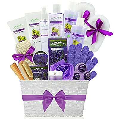 Amazon - Save 30%: Deluxe XL Gourmet Spa Gift Basket with Essential Oils. 20-Piece Luxury Bath & B…