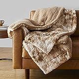 Amazon Basics Fuzzy Faux Fur Sherpa Throw Blanket, 50'x60' - Tan Tie Dye
