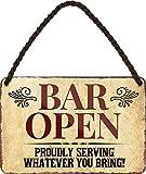 Cartel de chapa con texto en alemán 'BAR Open Proudly Serving .' decorativo, cartel de metal para entrada de puerta, pub, mostrador, pub, bar, bar, regalo, 18 x 12 cm