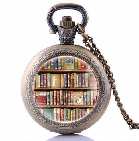 Reloj de bolsillo con muchos libros, estante de libros, collar, adornar estantes de libro, imagen vintage, joyas de bronce vintage,