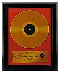 Goldene Schallplatte personalisiert mit Name als Bild im Holzrahmen 48 x 38 cm - Geschenk zum 50. Geburtstag für Mann oder Frau