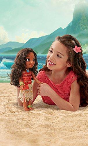 Glop Games- Princesa Disney, muñeca Vaiana con Todo Lujo de Detalle. Fíjate en su Pelo, Vestido, Flor de Polinesia…