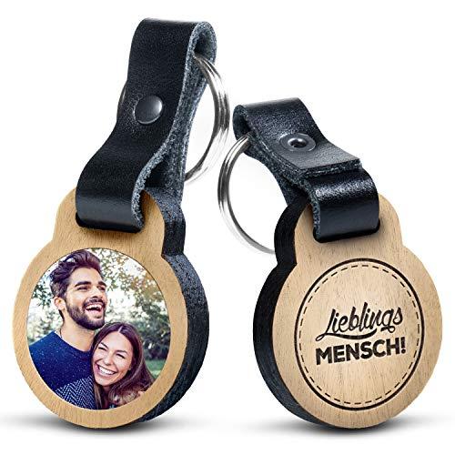 """Premium schenkYOU Schlüsselanhänger mit Foto aus Eichenholz und dunklem Echtleder - personalisierte Geschenkidee - Gravur """"Lieblingsmensch!"""""""