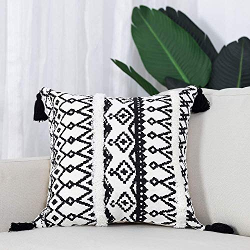 hi-home Decorative Cushion Covers for Sofa, Boho Throw Pillow Covers with Tassels, Tufted Rectangle Pillowcases Small Lumbar Pillow Case for Bedroom Livingroom Farmhouse, 45x45cm(Black and White)
