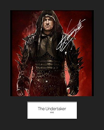 FRAME SMART The Undertaker WWE | Signierter Fotodruck | 10x8 Größe passt 10x8 Zoll Rahmen | Maschinenschnitt | Fotoanzeige | Geschenk Sammlerstück