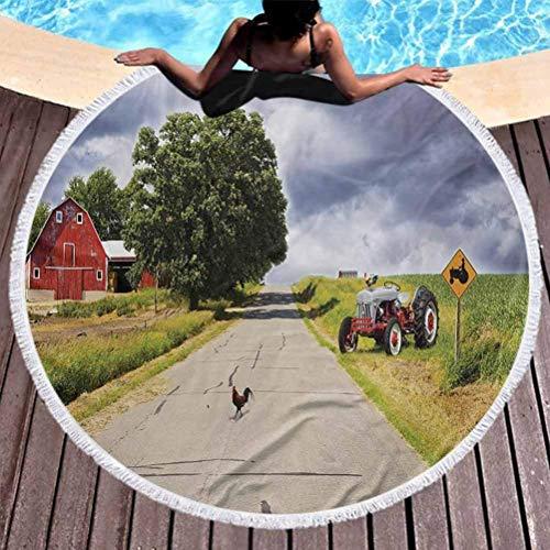 BAIYAN Tapete de praia, tapeçaria redonda de praia, toalha de praia rural popular, fazenda na estrada, com celeiro e trator na lateral em um dia tempestade, toalha para viagem