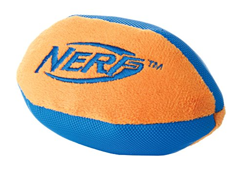 Nerf Dog Ultraplush Trackshot Football: 17,8