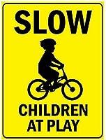 自転車のシンボルアルミニウム金属記号で遊んで遅い子供