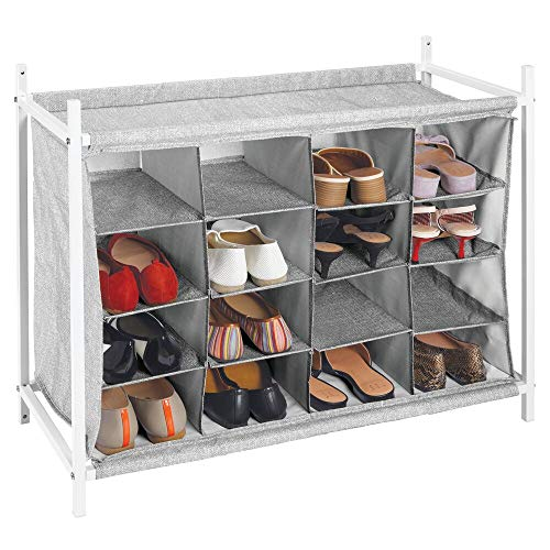 mDesign Estantería zapatero con 16 compartimentos – Compacto zapatero para armario o recibidor – Organizador de zapatos bajo de metal y tejido transpirable repelente al agua – gris y blanco