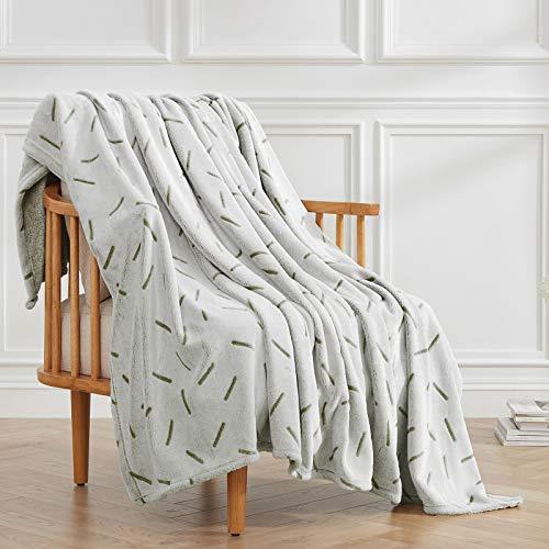 VEEYOO Fleecedecke Queen Size – Flauschige Decken und Überwürfe für alle Jahreszeiten, weiche flauschige warme Flanell-Plüschdecke für Couch, Bett, Weihnachten, grünes Beeline Muster