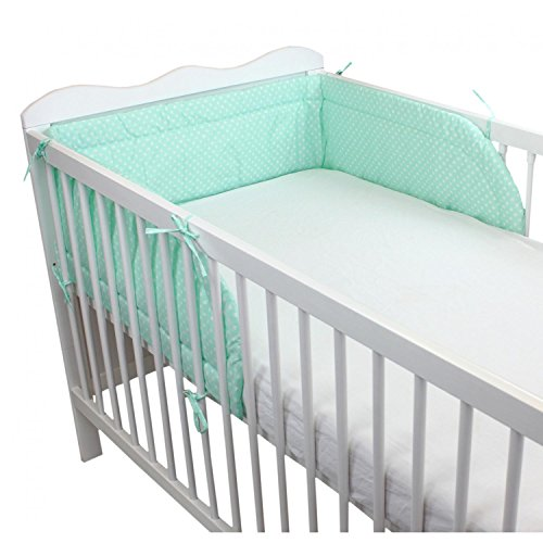 TupTam Protector para Cama de Bebé Acolchado, Corazones Menta Verde, 210x30cm (Cuna 140x70)