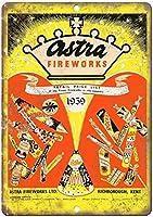 1959アストラ花火ヴィンテージ価格表バー、書斎、リビングルーム、ダイニングルーム、ベッドルーム、カフェのレトロティンメタルサイン