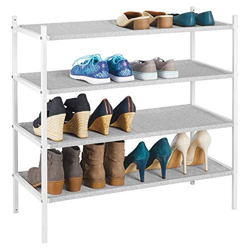 mDesign Mueble zapatero para el armario o el recibidor – Guarda zapatos bajo de metal y tejido transpirable, repelente al agua – Compacta estantería zapatero con 4 baldas – gris y blanco