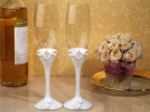 Classic Calla Lily Toasting Flutes Wedding Set