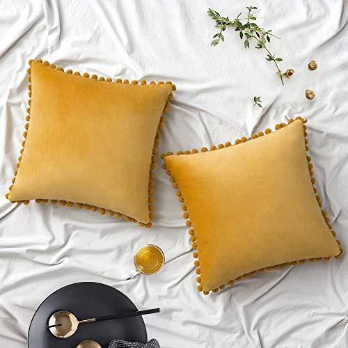 Woaboy Fundas de almohada de terciopelo con pompones decorativos, sólidas, suaves, cuadradas, con pompones modernos, para sofá, sala de estar, dormitorio, coche, 2 piezas, 60 x 60 cm, color dorado