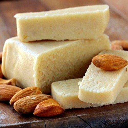 panetto di pasta di mandorle siciliane A BASSO CONTENUTO DI ZUCCHERO (mandorla min. 60%) da gr.465: per un latte di mandorla cremoso, tipicamente siciliano! Prodotto artigianale RAREZZE