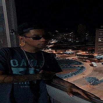 Ela Senta Rebolando (feat. MC Rick, MC Teteu, MC Renatinho Falcão & Mc Gw)
