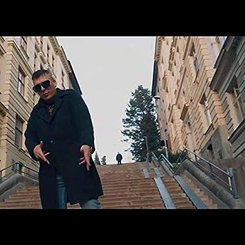 Padám (feat. Jan Prochazka)