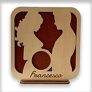 Cornice Porta Ecografia in legno personalizzabile coppia con donna incinta portaecografia