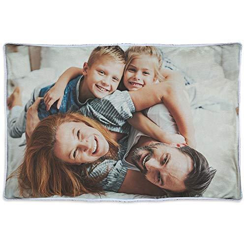 LolaPix Decke mit Foto mit Foto/Design. Verschiedene Größen zur Auswahl. Fotogeschenke. Einseitig personalisierte Fleecedecke. Material nach Oeko-Tex Standard Zertifiziert. 125x80cm. Wärmende Decke