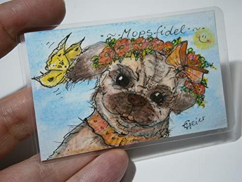 Mops mit Schmetterling und Blumen Aquarell Mini Hundebild handgemalt 54 x 86 Millimeter Unikat Miniatur laminiert auf Klappkarte abnehmbar Lesezeichen Geschenk Geburtstagskarte