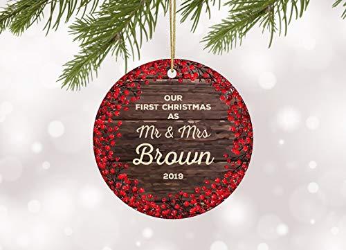 Lplpol First Christmas As Mr & Mrs Ornamento Our First Christmas Married Ornamento de Navidad recién casado ornamento rústico de boda de madera 7,62 cm