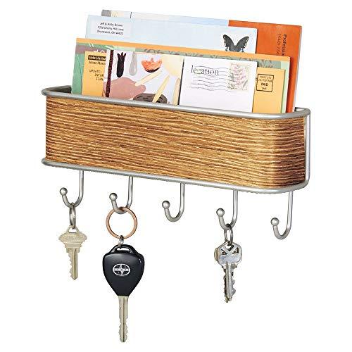 mDesign Colgador de llaves con estante para uso variado - organizador de llaves en metal resistente mate con detalles en madera - con práctico estante cerrado para correo, revistas y celulares