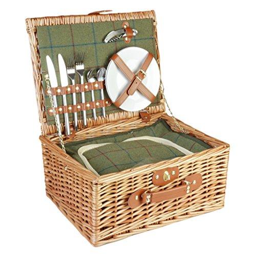 Luxe picknickmand voor 4 personen van wilgentenen met groene Tartan Tweed en bruine leren handvatten. Leuk en luxe verjaardags- of huwelijkscadeau. mand 22 x 57 x 37 cm (H x L x B); picknickkleed 140 x 120 cm; bord 18 cm (diameter); vorken 20 cm (lengte); mes 20,5 cm (lengte); lepel 14 cm (lengte); servetten 29 x 29 cm; glazen 14,5 cm (hoogte).