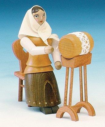 Rudolphs schatkist kerstfiguur snijder aan tafel natuur hoogte 15 cm figuur snijden houten speelgoed kerst zeep kaarsen Ertsgebergte winter decoratie mijnbouw kerk